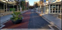The renewal of the cycle lane of the Josep Carner street begins