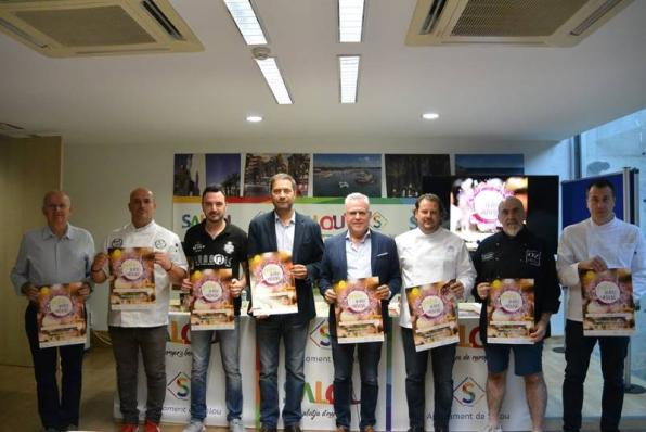 The mayor of Salou with participants of the Gastro Wine & Music 2019