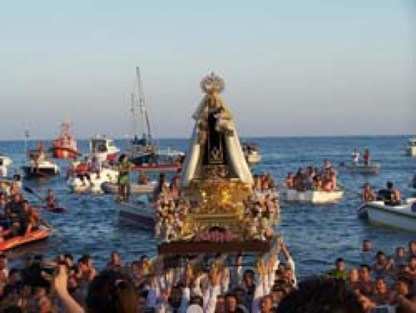 The Fiestas del Carmen get to the fishing villages on the Costa Dorada